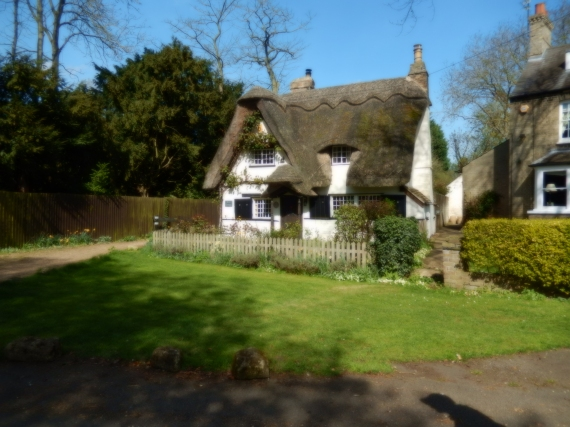 Thatched cottage at Houghton
